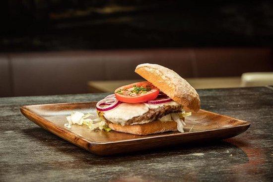 Herzogenburg, Österreich: Spezial Burger