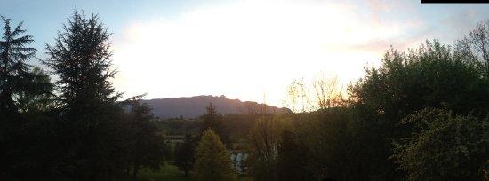 Hôtel Villa Marlioz : vue sur le massif montagneux depuis le restaurant de l'hôtel