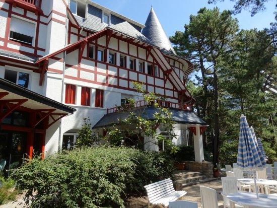 Hotel Les Pleiades - La Baule: facade
