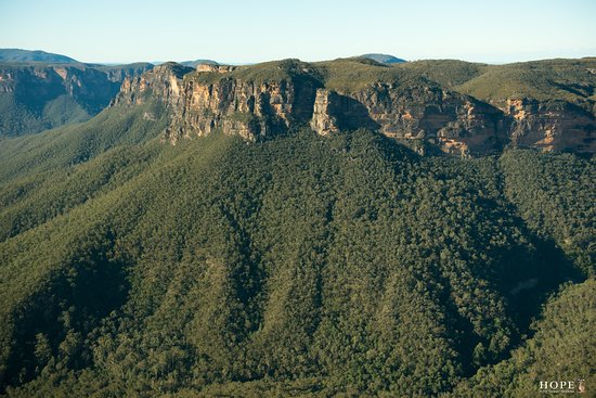 Blackheath, Australien: Just part of this beautiful valley. a few different vantage point available for different views.