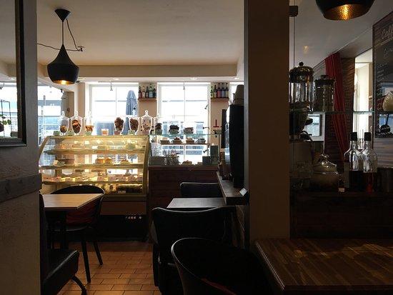 Taste Bistro & Patisserie: photo2.jpg