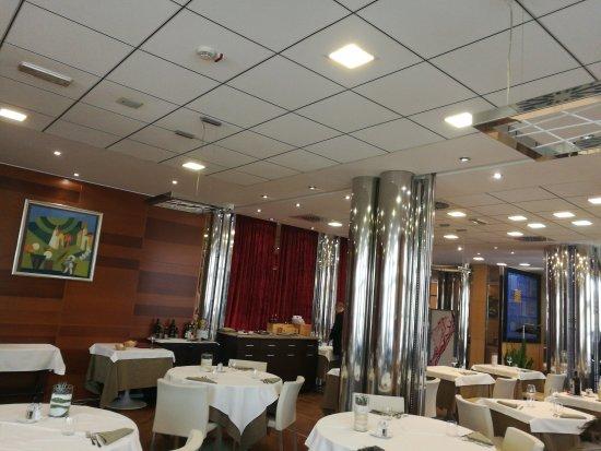 Aquattro Restaurant : TA_IMG_20170414_132820_large.jpg