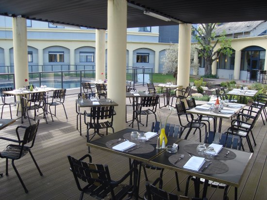 Magny-Cours, France : Terrasse