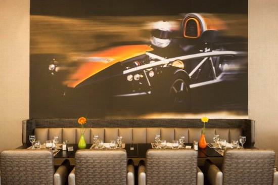 Restaurant intérieur - Picture of Restaurant Le Paddock, Magny-Cours ...