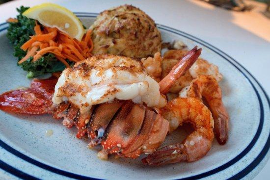 Middle River, MD: Seafood Platter