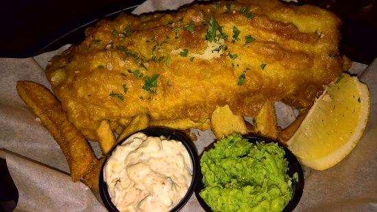 The Liffey Irish pub: Fish and chips