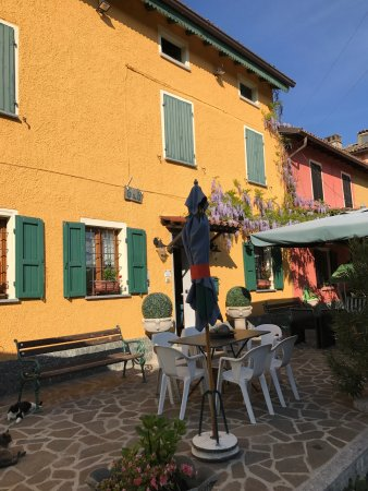 Montecalvo Versiggia, Italia: B&B  La casa tra i vigneti