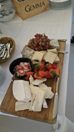 Hoersholm Municipality, Dinamarca: Closing with cheese
