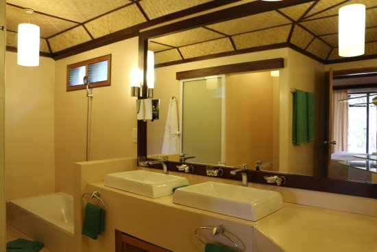 Angaga Island Resort Image