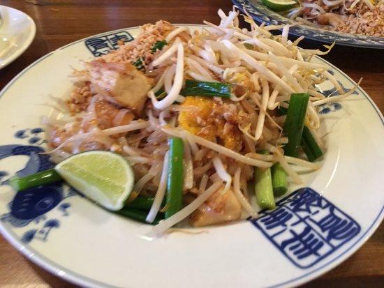Westport, CT: Pad Thai with Tofu