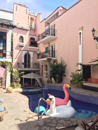 Charming boutique hotel on the shores of the river qual in for Charming small hotels