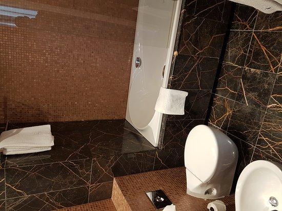 Eurostars Thalia Hotel: 20170406_173500_large.jpg