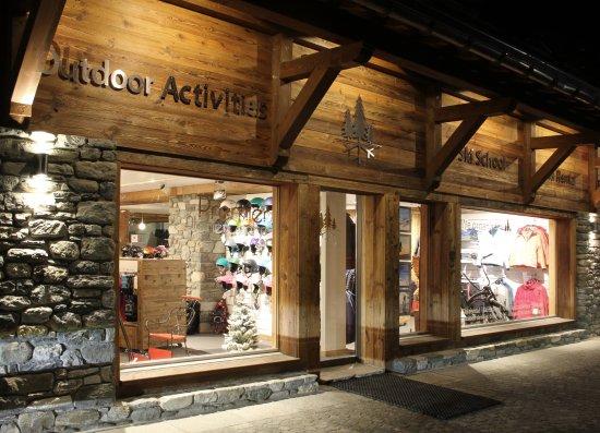 Premier Alpine Centre SA