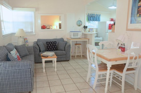 Cottages by the Ocean: King studio with good living/dining/kitchen space.