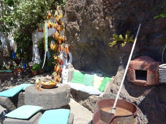 Artenara, Spain: La Casa Cueva Museo Santiago Aranda
