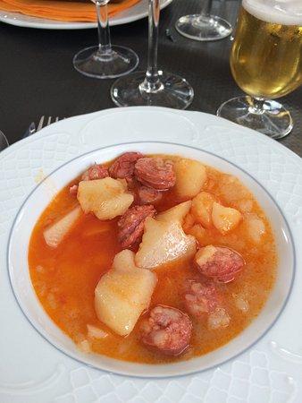 Candanchu, Spain: Entrée : ragout de pommes de terre et chorizo