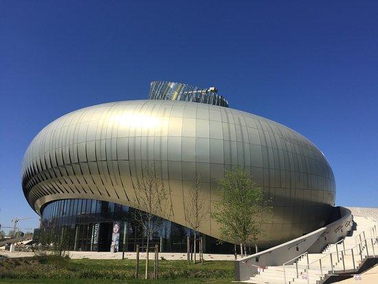 Architettura moderna foto di la cit du vin bordeaux for L architettura moderna