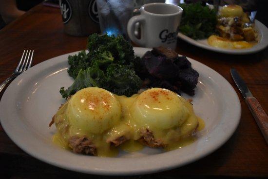 Photo of American Restaurant goofy cafe & dine at 1831 Ala Moana Blvd, Honolulu, HI 96815, United States