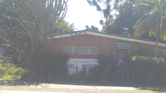 Corlette, Australia: View zoomed in- can you read the closed sign?