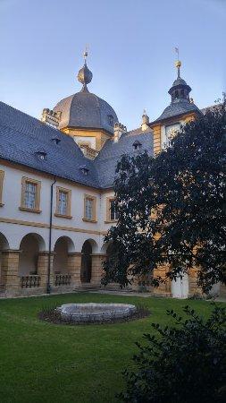 Memmelsdorf, Almanya: Innenhof Schloss Seehof