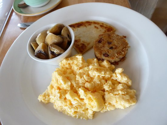 Cairn Hotel : Breakfast with the room, off the menu, vegan haggis. Excellent!