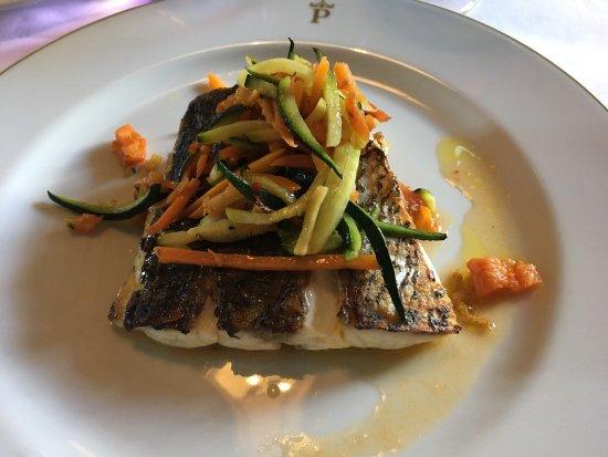 Parador de Carmona Restaurant : Muy rica comida.