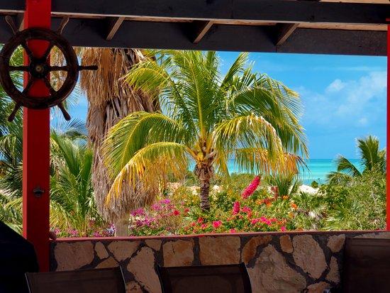 Harbour Club Villas & Marina: Beautiful view from the gazebo looking towards the ocean