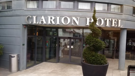 Clarion Hotel Liffey Valley: Haupteingang