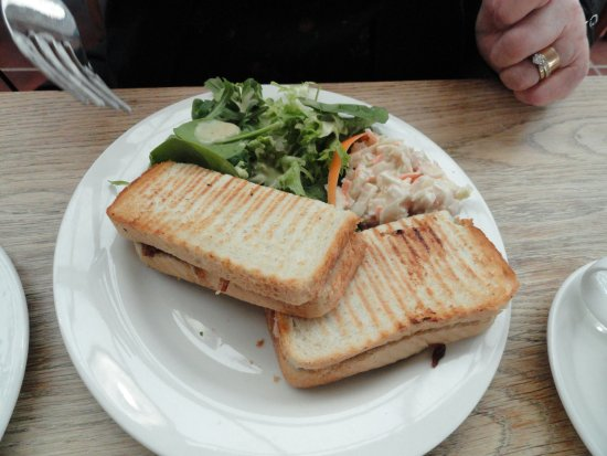 Lechlade, UK: Toasted sandwich