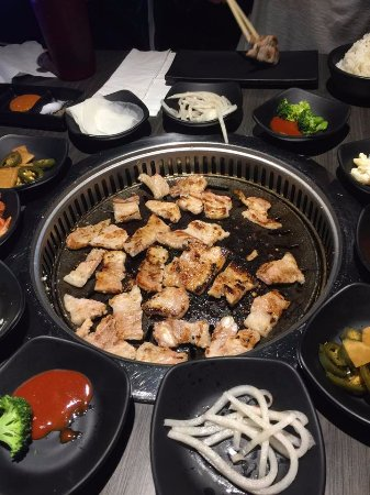 Auburn, AL: preparando un rica carne de cerdo