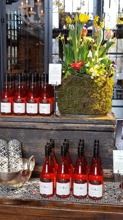 West Kelowna, Canada: A rose wine for Easter!!