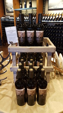 West Kelowna, Canada: Beautiful displays of the wine throughout