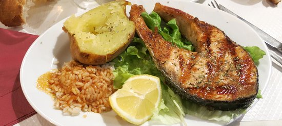 La Taverne Grecque : You can order the salmon a la carte for 14 euros, The menu at 17.50 include this.