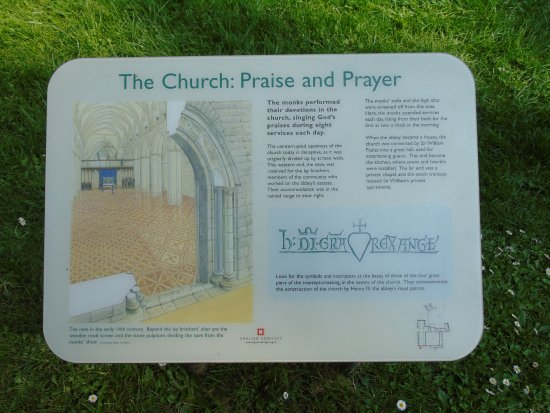 Netley Abbey: one of the few descriptive boards provide by English Heritage