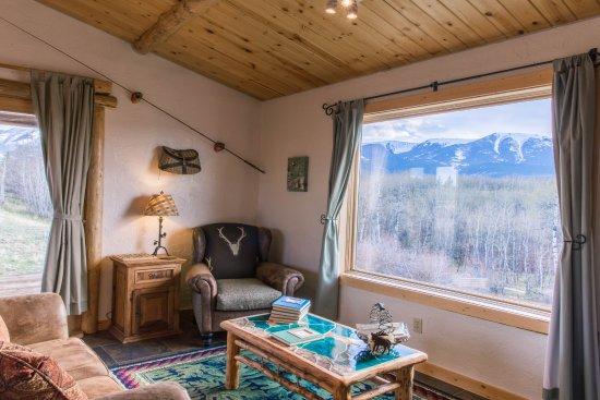 Blue Sky Cabins: living area
