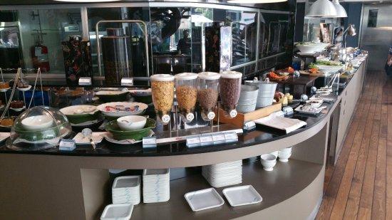 Hotel Baraquda Pattaya - MGallery by Sofitel Picture