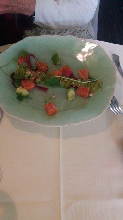 L'Hostellerie d'Acquigny : saumon aux petits légumes