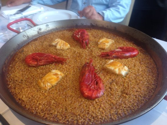 """Artana, Spain: Arroz con bacalao y """"rojos"""""""