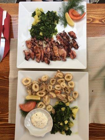 Jambo: Calamari gegrillt und frittiert. Fischsuppe. Alles extrem lecker.