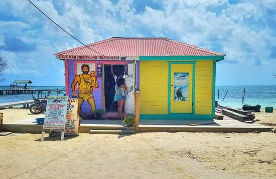 Caye Caulker, Belize: 20170413_231922_large.jpg
