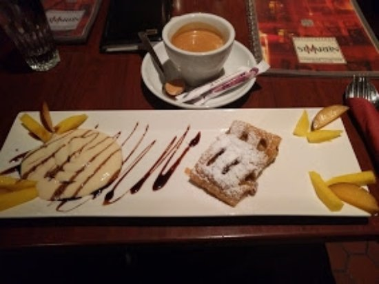 St. Martin: Apple strussel with fresh vanilla cream sauce, garnished with fruit. Espresso, of course.