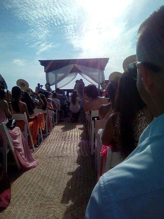 Plaza Pelicanos Grand Beach Resort: IMG-20170407-WA0024_large.jpg
