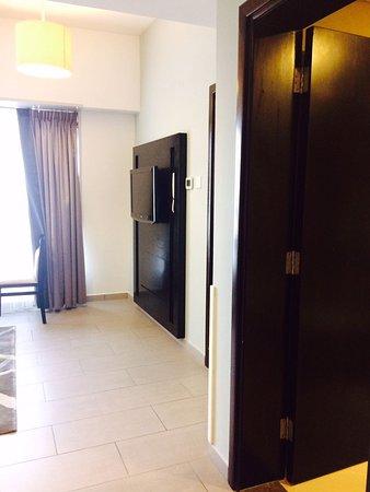 Auris Metro Central Hotel Apartments: IMG-20170414-WA0007_large.jpg