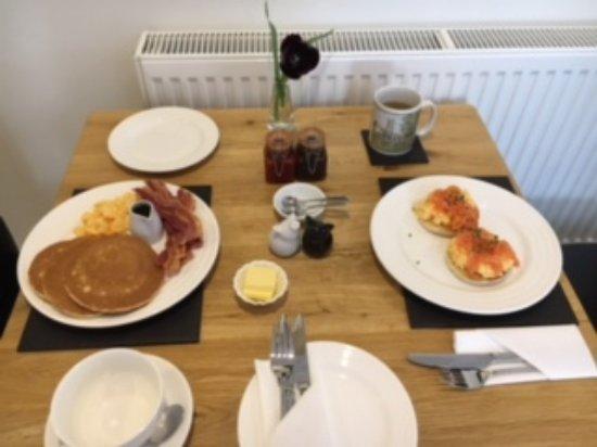 Fivehead, UK: Breakfast in the room