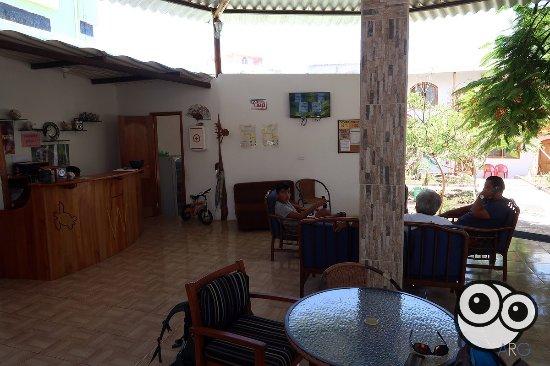 White House Galapagos: Area de comedor