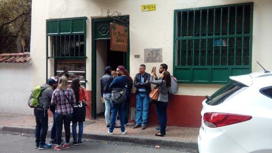 Photo of Latin American Restaurant La Puerta Falsa at Calle 11 No 6-50, Bogota 250051, Colombia