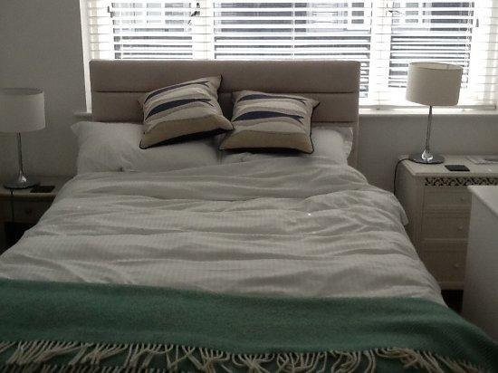 The Sail Lofts : Surf bedroom