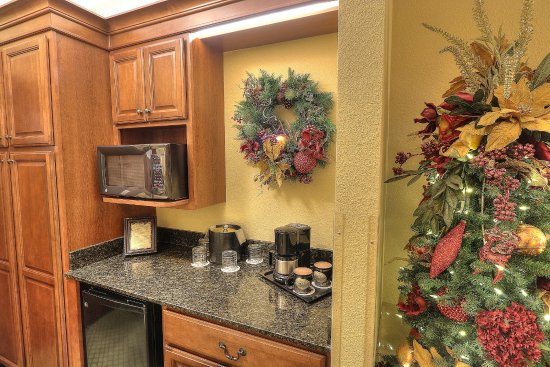 The Inn at Christmas Place: King Bed Mini Suite C