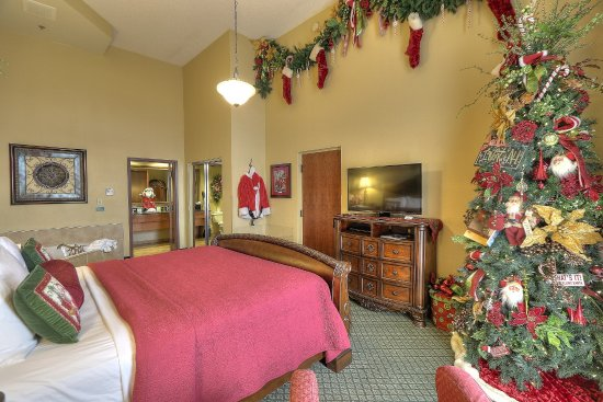 Christmas Inn.Santa Suite Bedroom Picture Of The Inn At Christmas Place