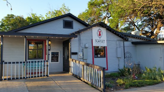 Round Rock, TX: Outside The Scarlet Rabbit